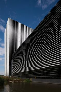 Дата-центр AM4 компании Equinix © Jannes Linders