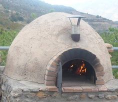 I need to put a cover over the chimney so the rain doesnt get down into the oven. Oven Diy, Diy Pizza Oven, Pizza Oven Outdoor, Outdoor Cooking, Wood Oven, Wood Fired Oven, Wood Fired Pizza, Pizza Oven Fireplace, Tyni House