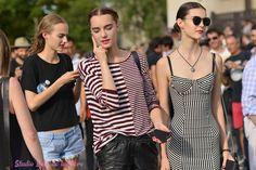 Les #topsmodels Maartje Verhoef Irina Shnitman et Irina Liss Place du Trocadéro pendant la #fashionweek. Reportage photo par Bain de Lumière#offduty #streetstyle #PFW#fashionweek