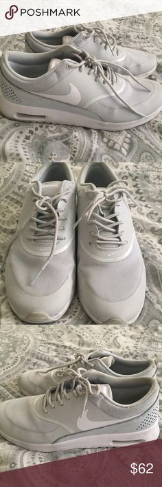 Nike theta air max Nikes in great condition! Worn a couple times,can be cleaned up a little but in pretty much perfect condition. Nike Shoes Athletic Shoes