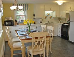 Bright kitchen with dining area Yarmouth, Cape Cod vacation rental on WeNeedaVacation.com ID 14935