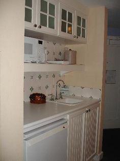 Boardwalk Studio kitchenette