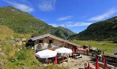 Pottingerhütte - Pottingeralm in Sportgastein - Nassfeld Felder, Roadtrip, Sport, Cabin, Mountains, House Styles, Nature, Travel, Summer Recipes