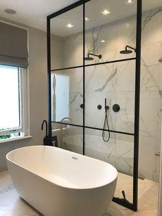 Incredible Small Bathroom Style That Will Rock Your Home – - DIY Badezimmer Dekor Large Bathrooms, Amazing Bathrooms, Small Spa Bathroom, Modern Bathrooms, Small Bathtub, Simple Bathroom, Ideas Baños, Tile Ideas, Bar Ideas