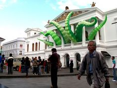 Google Image Result for http://evewithoutadam.net/files/2010/09/octopied-building-quito-2010-sz-500x375.jpg