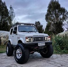 Suzuki Jimny Off Road, Jimny Suzuki, Car Supplies, Truck Mods, Jeep Renegade, Jeep 4x4, Land Rover Defender, Cars And Motorcycles, Offroad