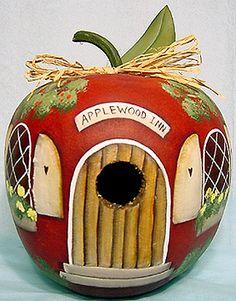 New Apple Bird Feeders Gourds Birdhouse Ideas Gourds Birdhouse, Birdhouse Ideas, Birdhouse Designs, Hand Painted Gourds, Decorative Gourds, Bird Houses Painted, Painted Birdhouses, Bird Cages, Gourd Art