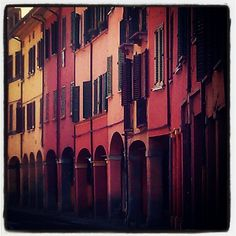 Colors and windows in Bologna - Instagram by @AsgeirPedersen