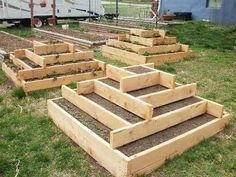 Simple and cool raised garden bed design.