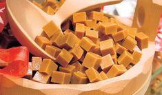 Pripravte si sladké karamelky. Fruit Roll Ups, Christmas Cookies, Sweet Potato, Mango, Good Food, Food And Drink, Sweets, Vegetables, Cooking
