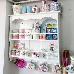 İlgili resim - picture for you Decor, Furniture, Shelves, Chic Kitchen, Kitchen Decor, Boho Kitchen, Home Decor, Kitchen Furnishings, Shabby Chic Kitchen
