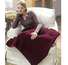Foolproof Afghan Pattern - A crochet afghan literally any crocheter can make. Easy and fast, these free crochet afghan pattern makes a fab baby blanket too. Motifs Afghans, Afghan Crochet Patterns, Crochet Stitches, Crochet Afghans, Red Heart Crochet Patterns, Knitting Patterns, Baby Afghans, Quilt Pattern, Crochet Gratis