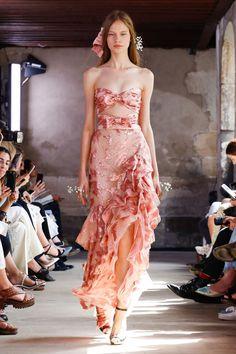 Rodarte at paris fashion week spring 2018 zimmermann at new york fashion week spring 2019 Haute Couture Style, Couture Mode, Couture Fashion, Runway Fashion, Juicy Couture, Fashion Week Paris, New York Fashion, Fashion News, Fashion Fashion