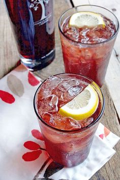 If you enjoy the flavor of pomegranate, you'll love this sweet tea cocktail made with sweetened lemon tea and PAMA's pomegranate liqueur. (sponsored by PAMA) Cocktails To Try, Tea Cocktails, Cocktail Recipes, Dinner Recipes, Dessert Recipes, Sweet Tea Cocktail, Pomegranate Liqueur, Slushie Recipe, Desert Recipes