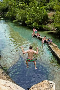 If you love swimming holes, Wimberly is perfect for you. You'll find stunning turquoise waters at both Jacob's Well and Blue Hole Regional Park. Looking for a quick and easy getaway from Austin? These are the best day trips from Austin Texas you'll want to take next with tips on what to do and more // Local Adventurer #texas #texplorer #localadventurer #traveltexas #roadtrip #visittheusa Travel Tips For Europe, Best Travel Guides, Texas Travel, Usa Travel, Get Outdoors, The Great Outdoors, Beautiful Places In America, South Usa, American National Parks