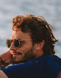 Qui est Arnaud Binard : le nouveau visage Vuarnet ? - Elle Men Sunglasses Fashion, Cool Sunglasses, Round Sunglasses, Moda Hijab, Moda Lolita, Moda Chic, Moda Vintage, Surfing, Surf