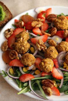 Salat med vegetarboller