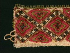 Norsk Folkemuseum Medieval Embroidery, Hardanger Embroidery, Krage, Sewing Tips, Sewing Hacks, Folk Costume, Costumes, Medieval Crafts, Bohemian Rug