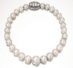 Wallis Simpson's Jewels - pearl necklace from Queen Mary