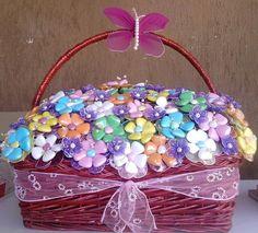 Bomboniere fiori di confetti con corolla di petali in organza.(anche già confezionati in cestini), by Eleonora Creazioni, 2,30€ su misshobby.com