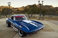 Corvette Stingray (This is my ride only yellow)