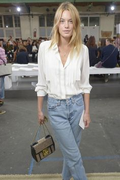 Front Row at Chloé - Camille Rowe-Pourcheresse casual chic ina white shirt, jeans & Chloé Elsie medium bag