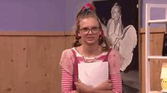 "Taylor Swift Gave Her Best Nerdy Teen Performance In ""EW!"" With Jimmy Fallon"