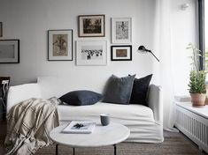 I like this home with soft greys, original decorations combined with plants and a grey kitchen. The bedroom walls are painted black, which contrasts so perfectly with the big window that spreads over the entire side of the room. Living Room Interior, Living Room Decor, Living Spaces, Bedroom Walls, Art Walls, Bedrooms, Swedish Interiors, Bedroom House Plans, Scandinavian Home