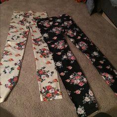 Leggings Flower design leggings. Stretchy. Never worn Pants Leggings