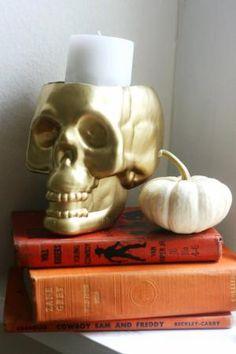 20 Spooky Skull DIYs Perfect For Halloween: DIY Skull Candleholder