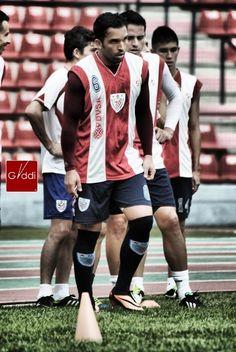 Giancarlo Maldonado entrenando con Estudiantes de Mérida FC.