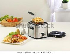 Let's face it, deep fried food is just so tasty! If you want to take full advantage of deep fried food at home getting a deep fryer is a brilliant idea. Here's how to use a deep fryer and some tips on how to choose a deep fryer. Best Deep Fryer, Air Fryer Deals, Fryer Machine, No Oil Fryer, Air Fryer Review, Best Air Fryers, French Fries, High Tea, Routine