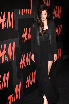 Lana Del Rey Sings For H & M in New York