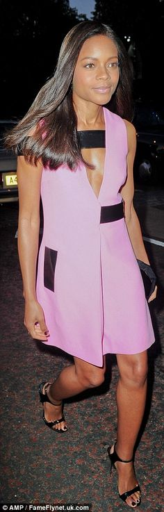 Naomie Harris wears a cleavage baring shift dress at Serpentine Gallery summer party | Daily Mail Online
