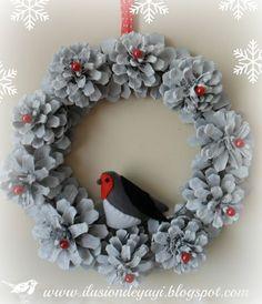 Новогодне-рождественский декор из шишек