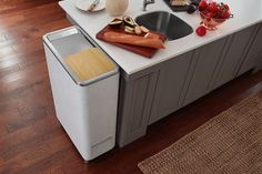 Whirlpool's Zera Food Recycler easily turns food scraps into compost