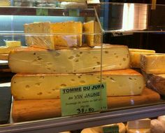 Tomme du Jura cheese.