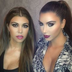 Kim Kardashian reveals it takes a lot of time (and concealer!) to achieve her look in behind-the-scenes peek of beauty makeover Kardashian Kollection, Kourtney Kardashian, Estilo Kardashian, Kim And Kourtney, Kardashian Style, Kardashian Beauty, Kardashian Fashion, Kardashian Photos, Gorgeous Makeup