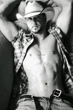 My #mcm goes to Jason Aldean. I love your music <3. Baby let's go listen to the night train!! I loved you at your concert and I still do now. I would do anything to go back to that moment
