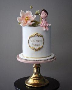 Water Lily - Nilüfer 🌸⚜️ #mutludukkan #sekerhamuru #sugarart #butikpasta Baby 1st Birthday Cake, Butterfly Birthday Cakes, Fondant Baby, Fondant Cakes, Cupcake Cakes, Cake Topper Tutorial, Cake Toppers, Baby Girl Cakes, Mouse Cake