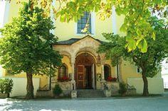 http://www.parkhotel-matrei.at/de-kultur.htm  Tirol im Allgemeinen und das Wipptal im Besonderen haben kulturell viel zu bieten. Besuchen Sie bei Ihrem Urlaub im Parkhotel Matrei zahlreiche Schlösser, Museen und Kirchen...
