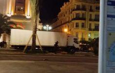 Attentat de Nice: «J'ai couru derrière le camion pour le stopper», raconte un jeune homme