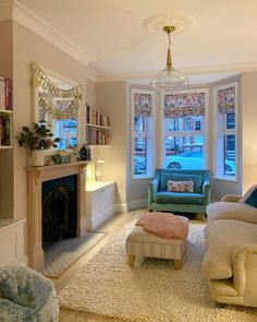 130 enchanting lighting design ideas for living room in your house 18 1930s Living Room, Victorian Living Room, Living Room Decor Cozy, Living Room With Fireplace, New Living Room, Living Room Interior, Home And Living, Victorian Terrace Interior, Bay Window Living Room