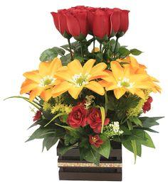 Arreglo de flores ideal para regalar. Centro de mesa. Manualidades en color amarillo y rojo.