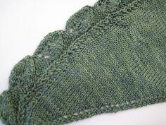 Free knit pattern - Ravelry: Foliole Shawl by Shana Pisle