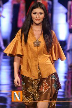 Batik skirt with layer top
