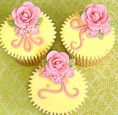 yellow and pink rose cupcakes