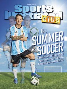 アルゼンチン男子ナショナルチームのサッカーコンポジットの肖像画は、前方にリオネル・メッシがServicevisionビスコンポジットの写真で写真撮影中にポーズ...