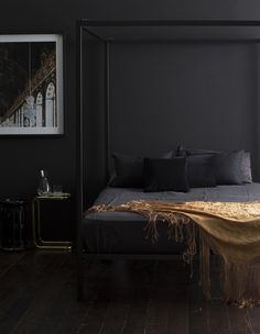 Black furniture and gold is one of the most timeless, luxurious and striking colour combinations a modern interior can have.