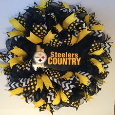 deco mesh wreaths Pittsburgh Steelers Wreath made by Bay Wreath Designs, Deco Mesh Sport Wreath, Steelers Wreath Deco Mesh Crafts, Wreath Crafts, Diy Wreath, Burlap Wreath, Wreath Making, Tulle Wreath, Wreath Fall, Spring Wreaths, Burlap Ribbon